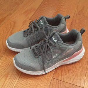 BNWOT - Fila Running Shoes - Size 8